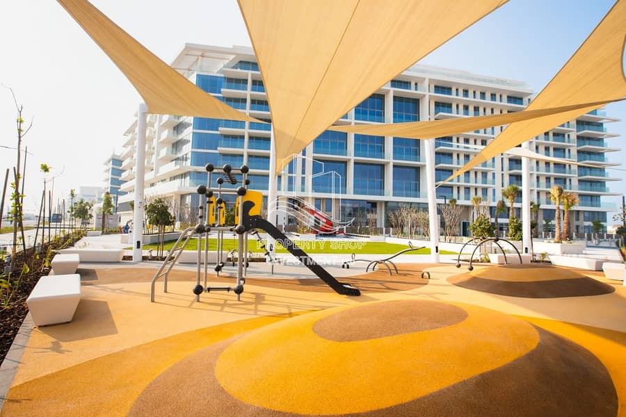 15 Elegant Loft Apt| Spacious Garden| Beach Access