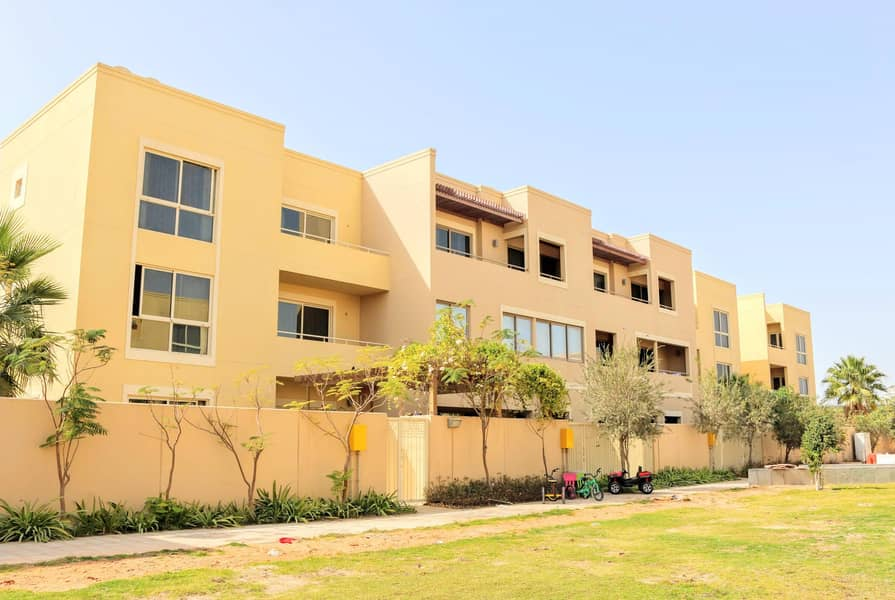 2 4 Bedroom Townhouse Available from end of the month.