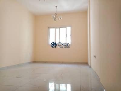 شقة 2 غرفة نوم للايجار في مويلح، الشارقة - Lavish 2 bhk with wardrobe no deposit cash in New muwaileh