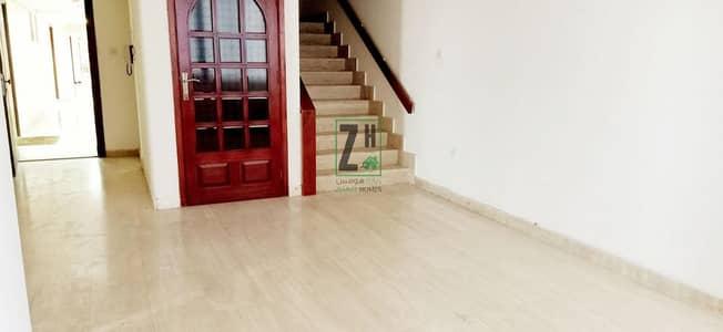 فلیٹ 4 غرف نوم للايجار في شارع حمدان، أبوظبي - Duplex in Convenient location| 4 Bedrooms apartment | Hamdan street.
