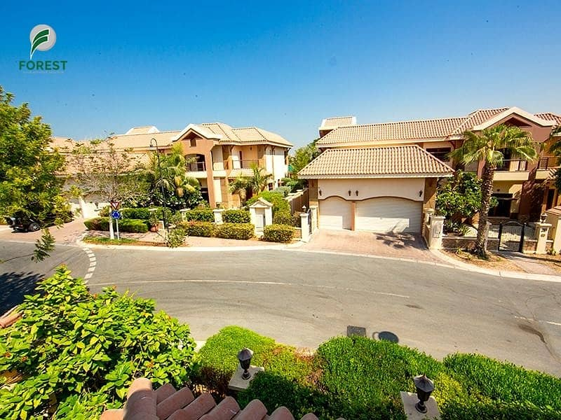 30 Full Lake View | 5BR + M | Private Pool and Garden