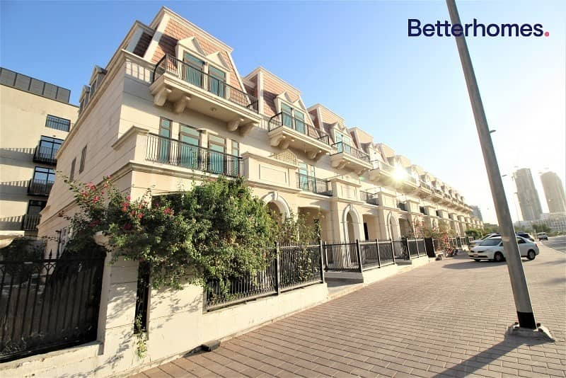 Spacious| Beautiful Design| Well-Maintained