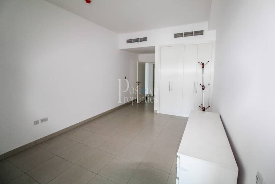 2 Largest Unit | 1 BR with Balcony | Closed Kitchen | 1360 sqft | 4 Cheque