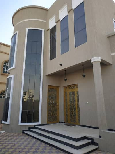5 Bedroom Villa for Sale in Al Yasmeen, Ajman - Owns a villa with full-service furniture and facilities
