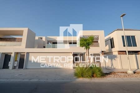 فیلا 5 غرف نوم للايجار في جزيرة ياس، أبوظبي - Rent Now! Single Row Villa Available in Best Price