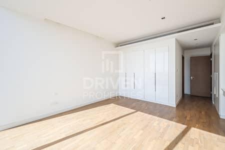 شقة 2 غرفة نوم للايجار في جميرا، دبي - Large | Cozy and Bright  | On High Floor