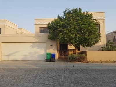 6 Bedroom Villa for Sale in Muwaileh, Sharjah - Spacious fully  renovated 6 bedroom villa for sale in Al Zahia