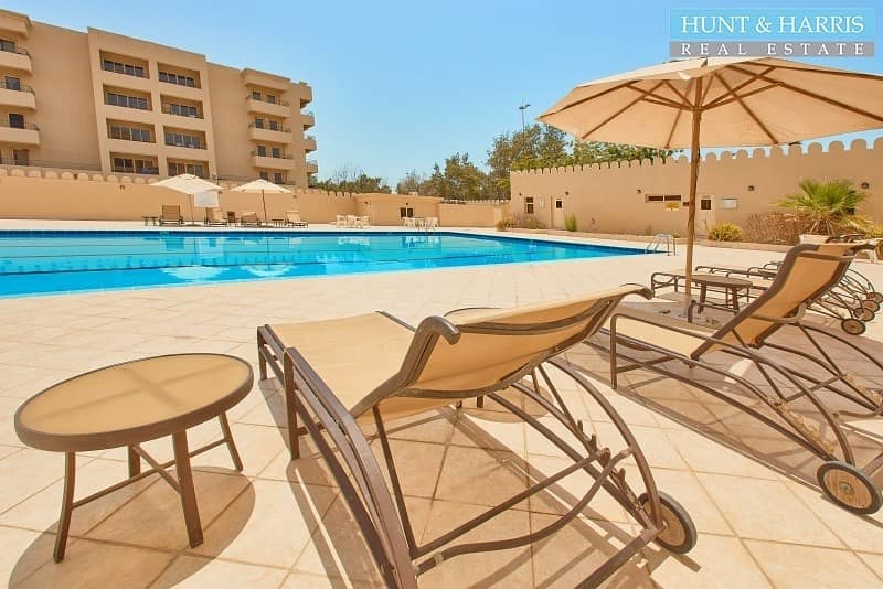 Furnished Studio - Amazing Pool & Golf Course View