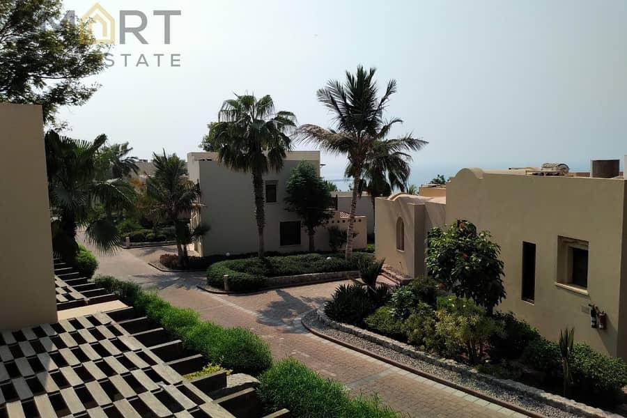 Wonderful En-suite Villa in Top Hillside | The Cove Rotana