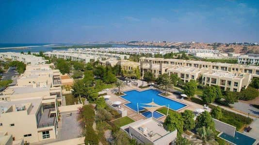 4 Bedroom Villa for Sale in Mina Al Arab, Ras Al Khaimah - Wonderful Villa | Overlooking Community | Pool & Gym