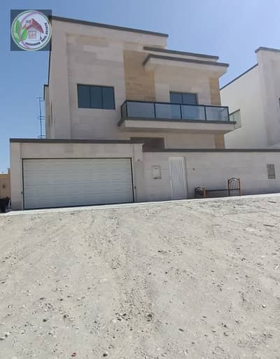 5 Bedroom Villa for Sale in Al Mowaihat, Ajman - Villa facing stone, finishing Super Deluxe from the owner directly in a very special area and an attractive price