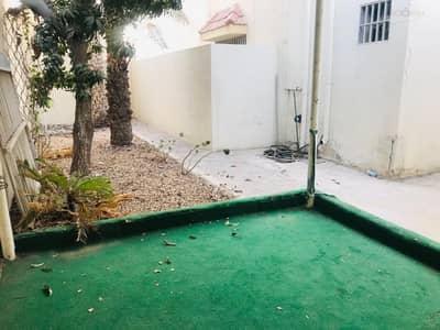 3 Bedroom Villa for Rent in Jumeirah, Dubai - Very nice 3bedroom single storey villa with private garden for rent in Jumeirah