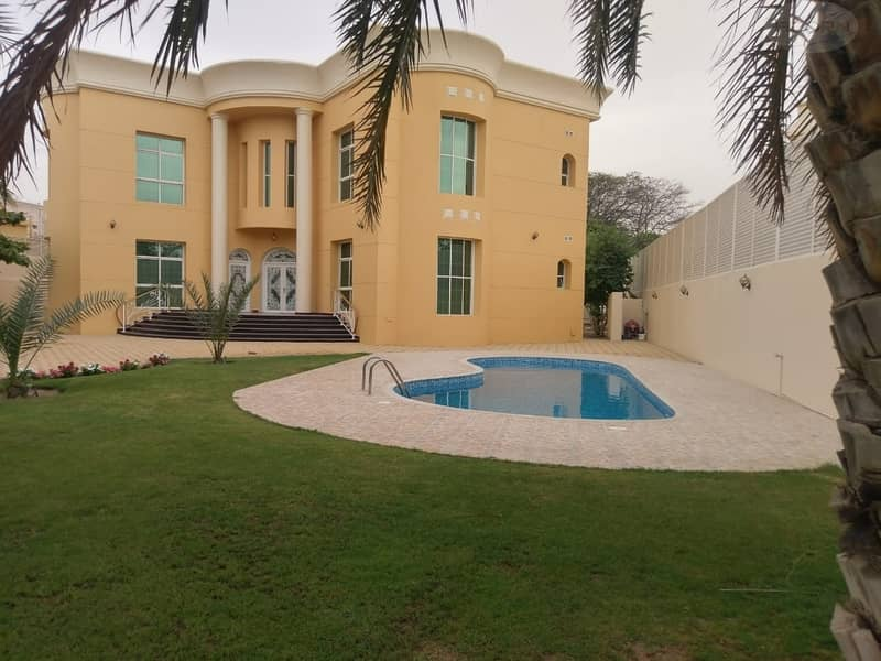 Luxury 5 bed room villa with swimming pool