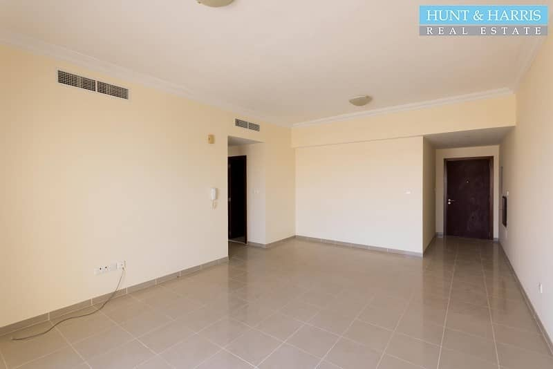 2 Spacious- One Bedroom Marina Apartment - Al Hamra Village