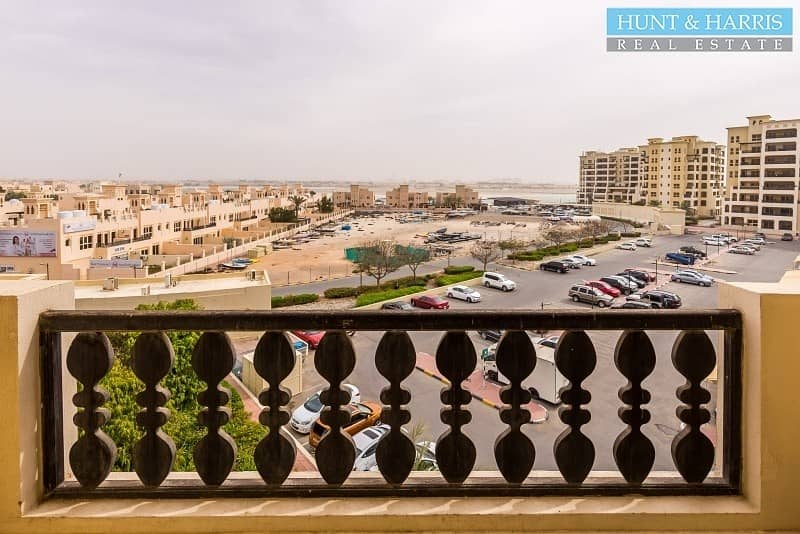 14 Spacious- One Bedroom Marina Apartment - Al Hamra Village