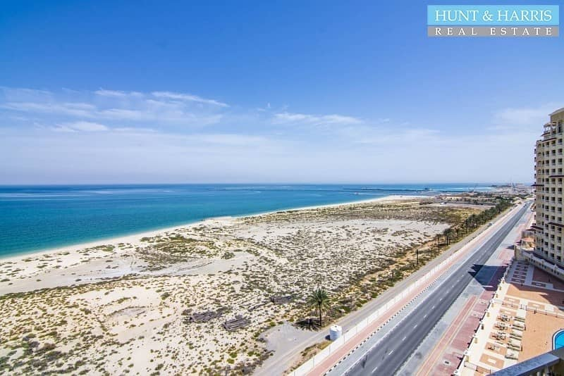 Penthouse - Stunning views of the Sea - 3 Bedrooms + Maids