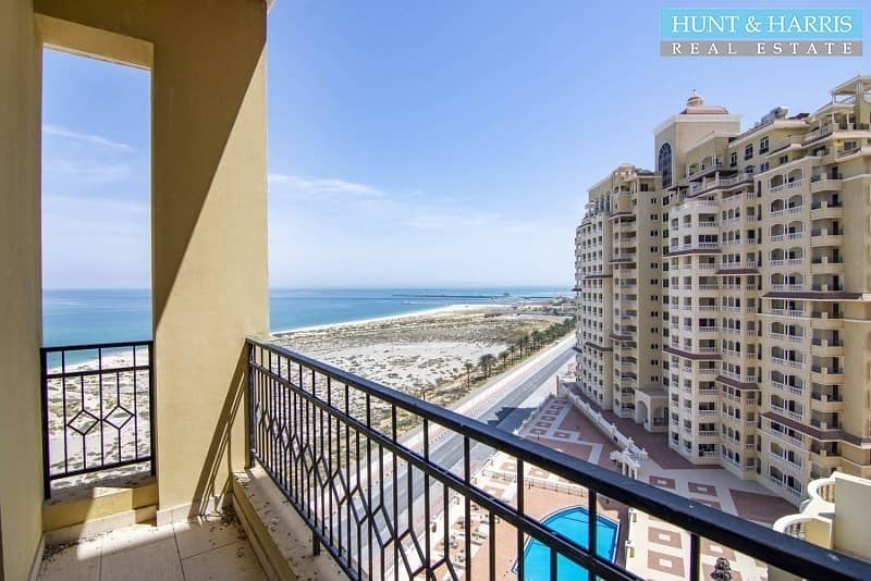 28 Penthouse - Stunning views of the Sea - 3 Bedrooms + Maids