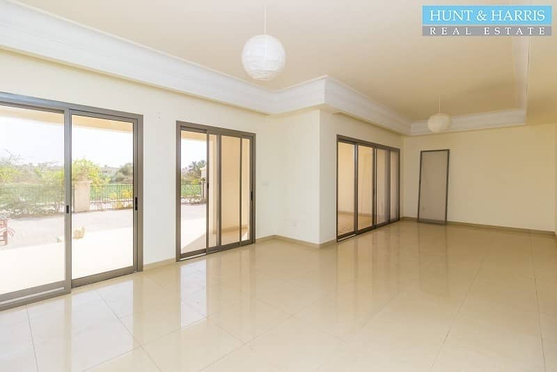 2 Premium Location Upgraded + Maids - Garden and Lagoon View