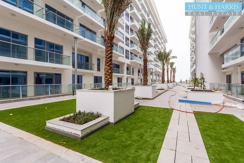 22 Partial Sea Views - Studio Apartment - Available Now