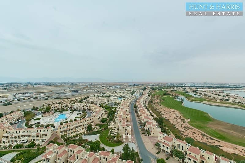 2 High Floor - Golf View - Ready to move in