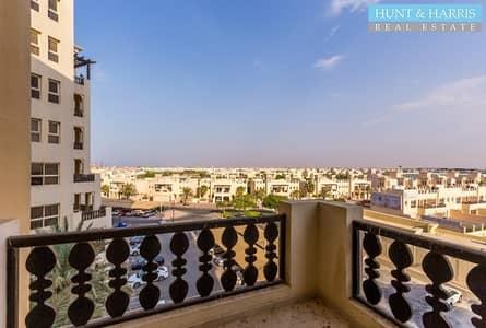 2 bedroom Marina - Mid Floor - Large balcony