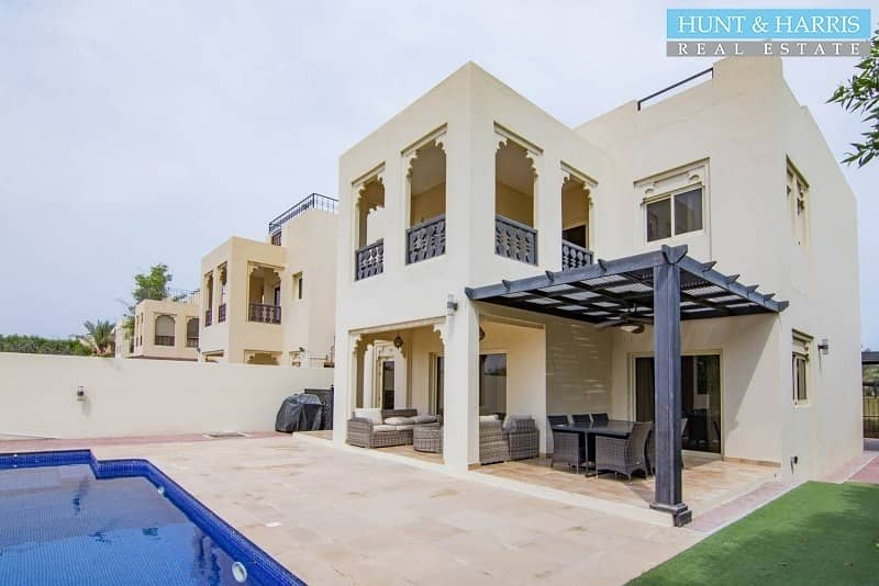 2 Fully Upgraded - 4 Bed Duplex - Private Pool - Golf Views