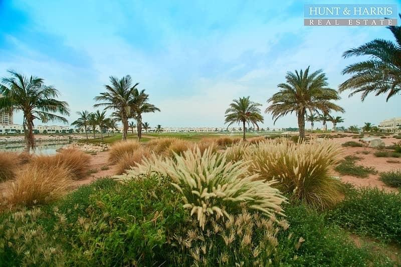 17 Amazing Duplex Villa - Beach Views - Beachfront location