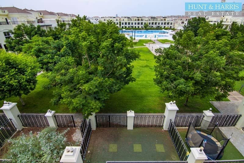 27 Bayti + maids room with pool and park view