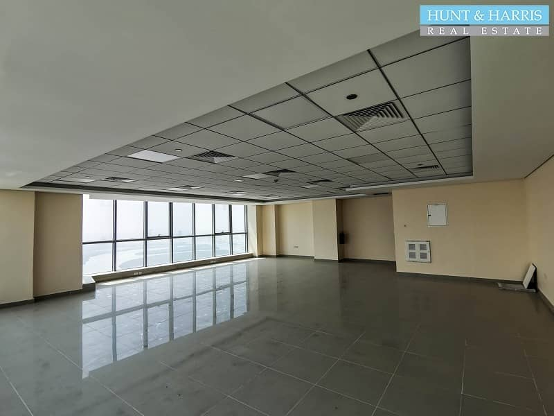 2 Spacious Office on a High Floor - Amazing Sea View