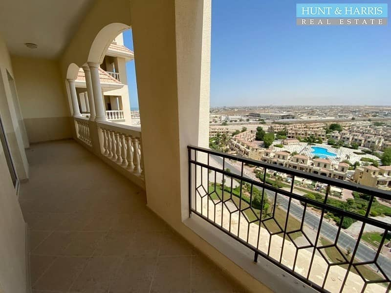 Lagoon Views - High Floor - Two Bedroom Apartment