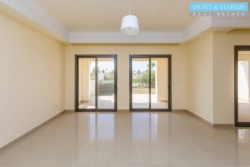 2 TA style townhouse - Golf Course view - Tenanted