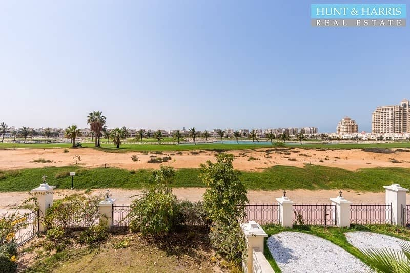 12 TA style townhouse - Golf Course view - Tenanted