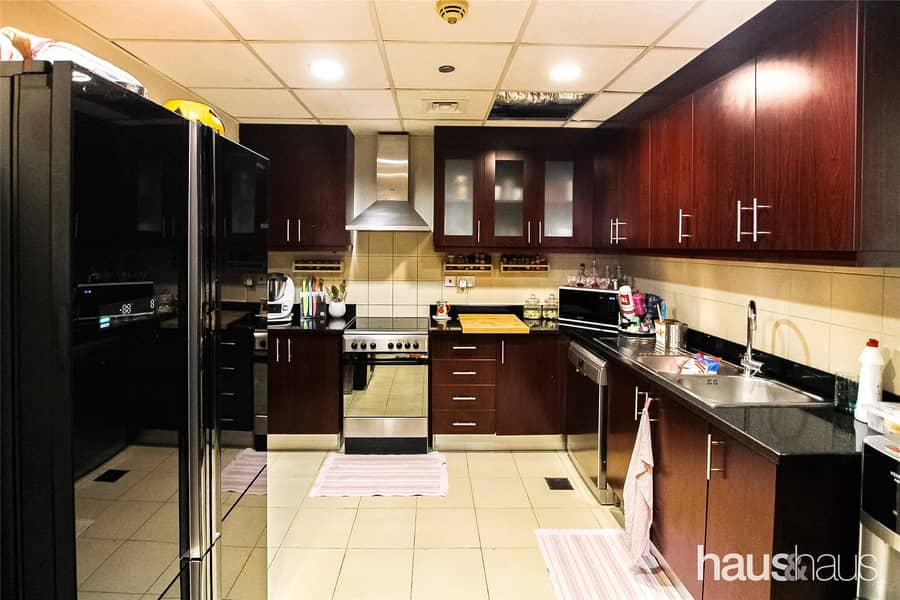 2 3 Bed + Maids | Upgraded | 2 Parkings