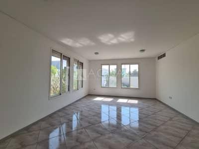 Villa for Rent in Jumeirah, Dubai - Villa for Commercial Use | Jumeirah Road