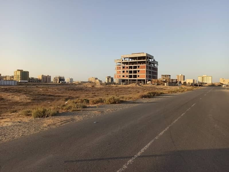 Excellent opportunity for investment, commercial land in Al-Jarf industrial area on. 2 - second plot from Jeddah Street - free of all nationalities - Ajman