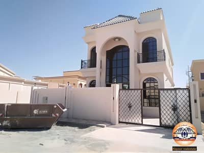 4 Bedroom Villa for Sale in Al Mowaihat, Ajman - Luxurious villa for sale, magnificent design, super deluxe finishing, with easy bank financing