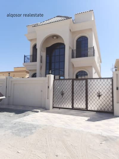 4 Bedroom Villa for Sale in Al Mowaihat, Ajman - For sale villa near a main street in Al Mowaihat, freehold for all nationalities, with a price, a privileged location, and a large building area