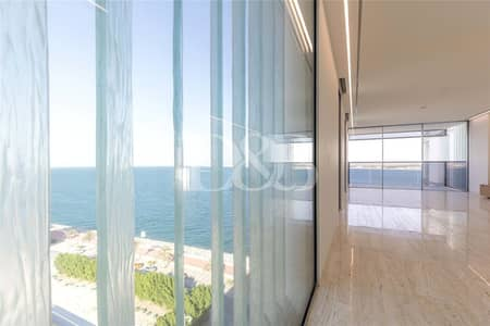 4 Bedroom Penthouse for Sale in Palm Jumeirah, Dubai - Contemporary | Rooftop Terrace | Scullery