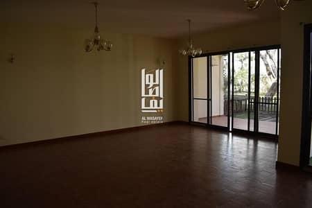 3 Bedroom Villa for Rent in Jumeirah, Dubai - Stunning 3 BR Villa   Share Pool & Garden   Near The Beach!!
