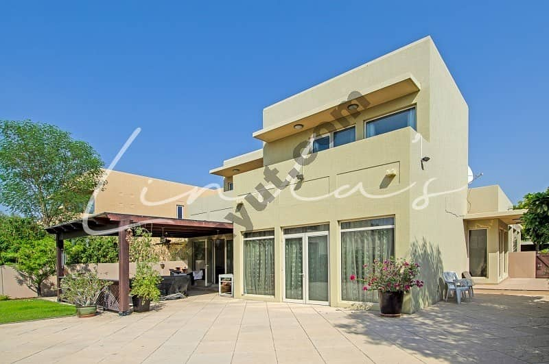 Upgraded |Extended| Type 9|3 bedrooms| Unfurnished