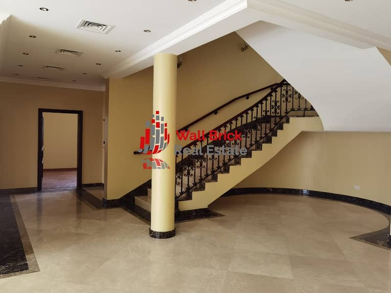 2 The Huge Family Home With Lift and Balcony