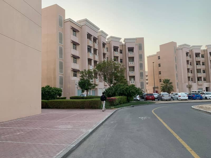 شقة في الحي الصيني المدينة العالمية 17500 درهم - 4843176