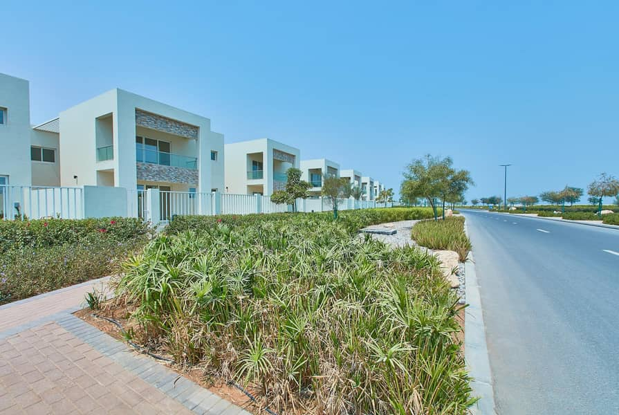 Beach Townhouse|Priced To Sell |Exclusive Community
