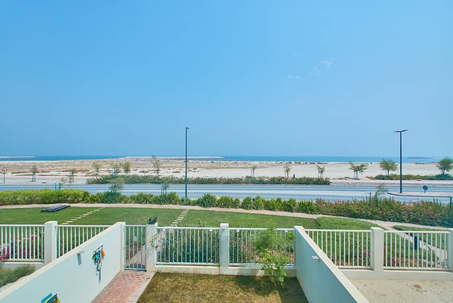 2 Beach Townhouse|Priced To Sell |Exclusive Community