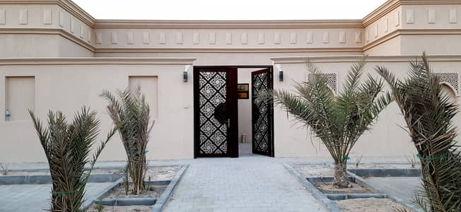 3 Bedroom Villa for Rent in Mohammed Bin Zayed City, Abu Dhabi - MOLHAQ WITH SEPARATE ENTRANCE 3 BEDROOMS WITH MAIDS ROOM AVIALABLE AT MBZ CITY.