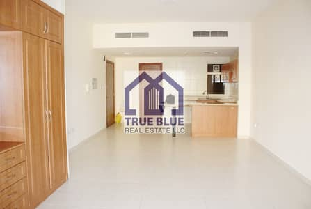 Beautiful Golf Studio|Well Maintained|Next to Mall