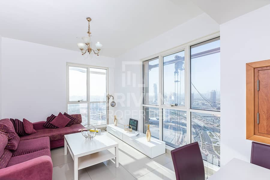 Top Floor 1 B/R Apartment with Lake View