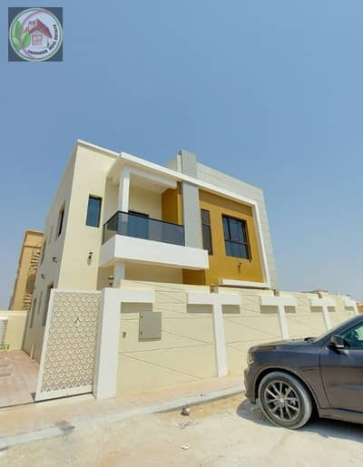 Villa facing stone, finishing Super Deluxe from the owner directly in a very special area and an attractive price