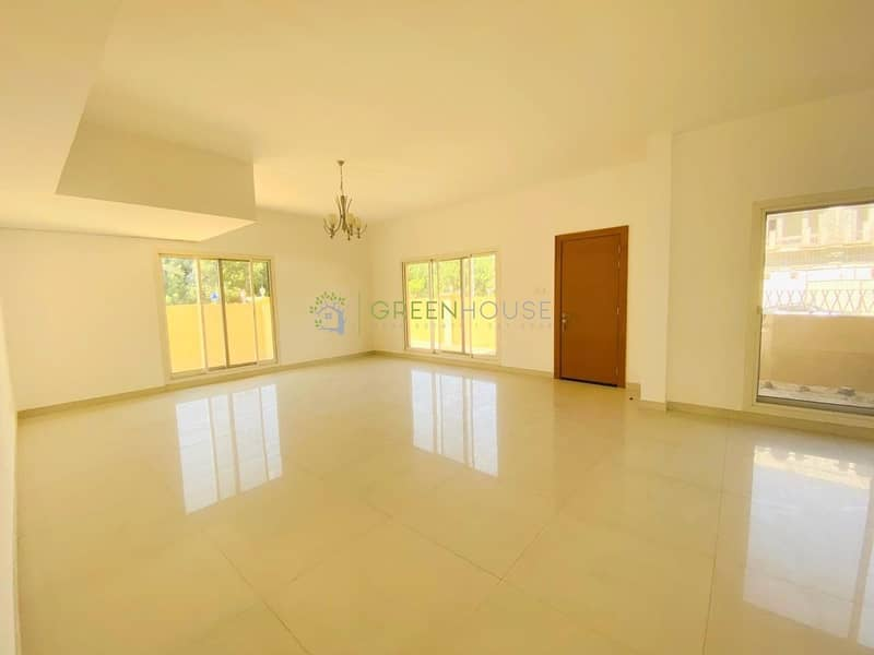 Fabulous Layout | Ready to Move-in 6 B/R Corner Villas | Orchid Park