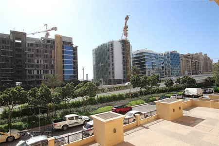 4 Bedroom Townhouse for Sale in Palm Jumeirah, Dubai - Triplex | 4 Bed + Maid | 3 Parking  Spaces